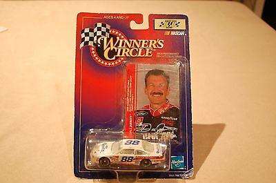 Winners Circle   Dale Jarrett  88 Ford Credit Diecast Car 1998 1 64Th