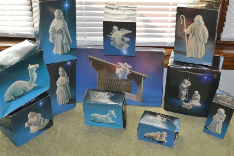 Lot of Vintage Avon Nativity Collectibles w/ Box-White Porcelain 1982