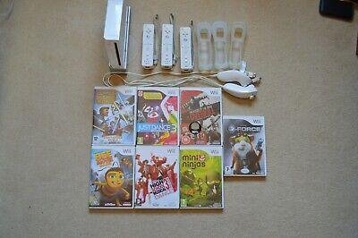 Nintendo Wii Bundle (Good Condition)