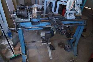 OLD FLAT BED METAL and WOOD TURNING LATHE WITH 2HP CMG MOTOR North Albury Albury Area Preview
