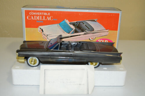 Vintage CAD-1 1963 Cadillac Convertible Solid State Transistor Radio with Box