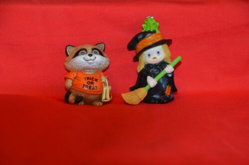 HALLMARK MERRY MINIATURES LOT OF 2.  1982 WITCH AND 1983 SHIRT TALES. MINT. GOLD
