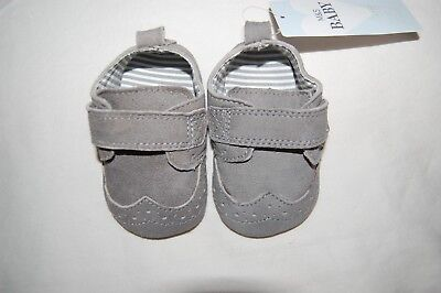 M&S Grey Suede Pram Shoes Riptape Age 0-3 Months BNWT **NOT FOR WALKING BABIES**