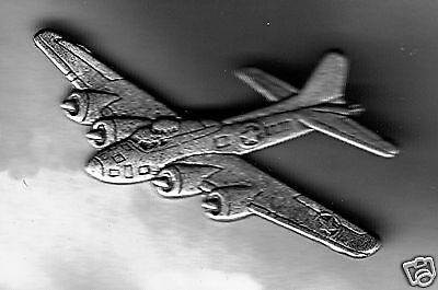 """Aviation Collectibles: Military Aircraft Boeing B-17 """"Flying Fortress"""" pin (SM)"""