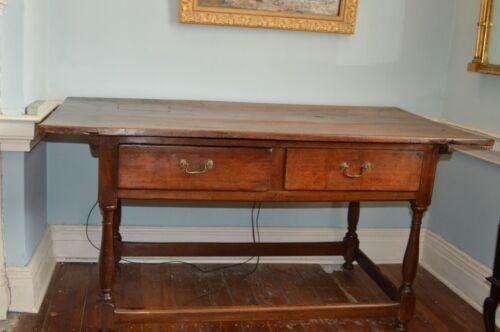 Pennsylvania Walnut Tavern Table C.1770-90