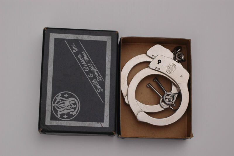 S&W Smith and Wesson Model 90 Handcuffs, original keys, in box. Vintage antique