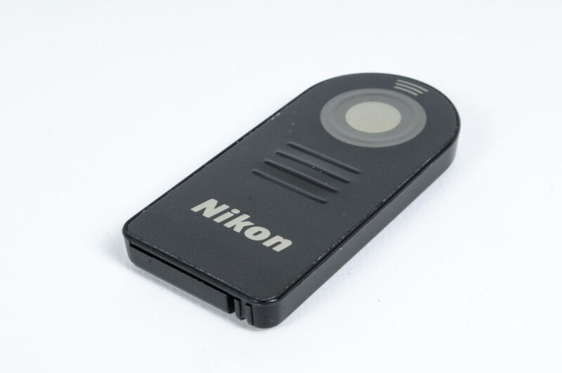 Nikon ML-L3 Remote Controller For Nikon Digital (Remotes & Shutter Releases)*EX*