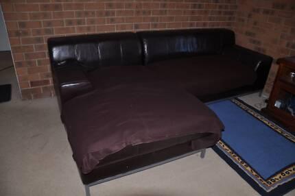 Cheap couch / sofa / Futon