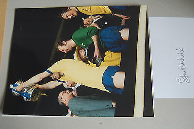 ARSENAL FRANK MCLINTOCK 10X8 WITH SIGNED WHITE CARD