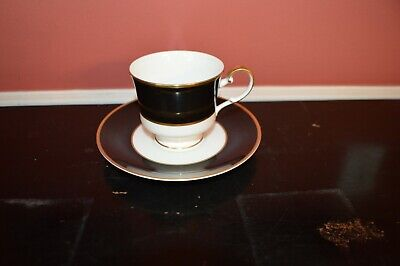 Mikasa Onyx (Cathy Hardwick for Mikasa Onyx A6700 Bone China Footed Cup and Saucer)