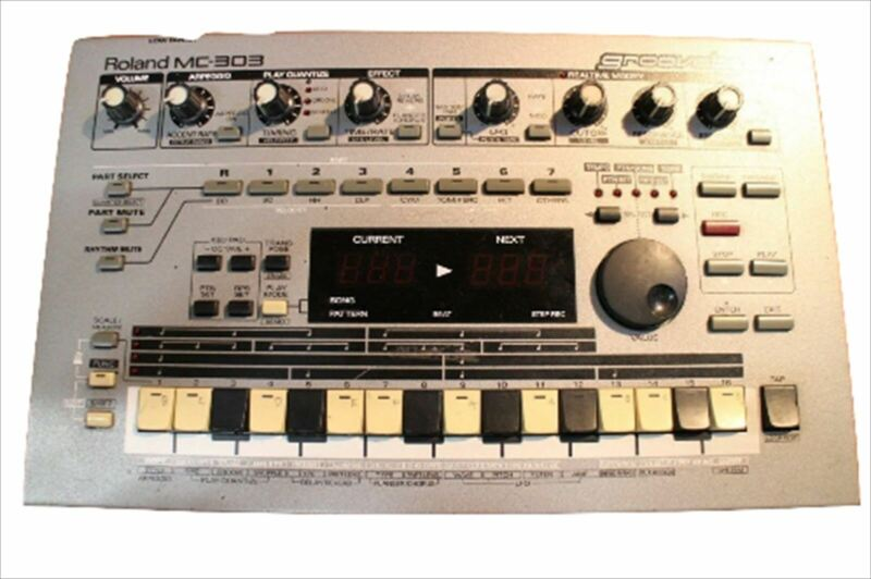Used Roland MC-303 Groovebox Drum Machine Synth MC 303 Roland