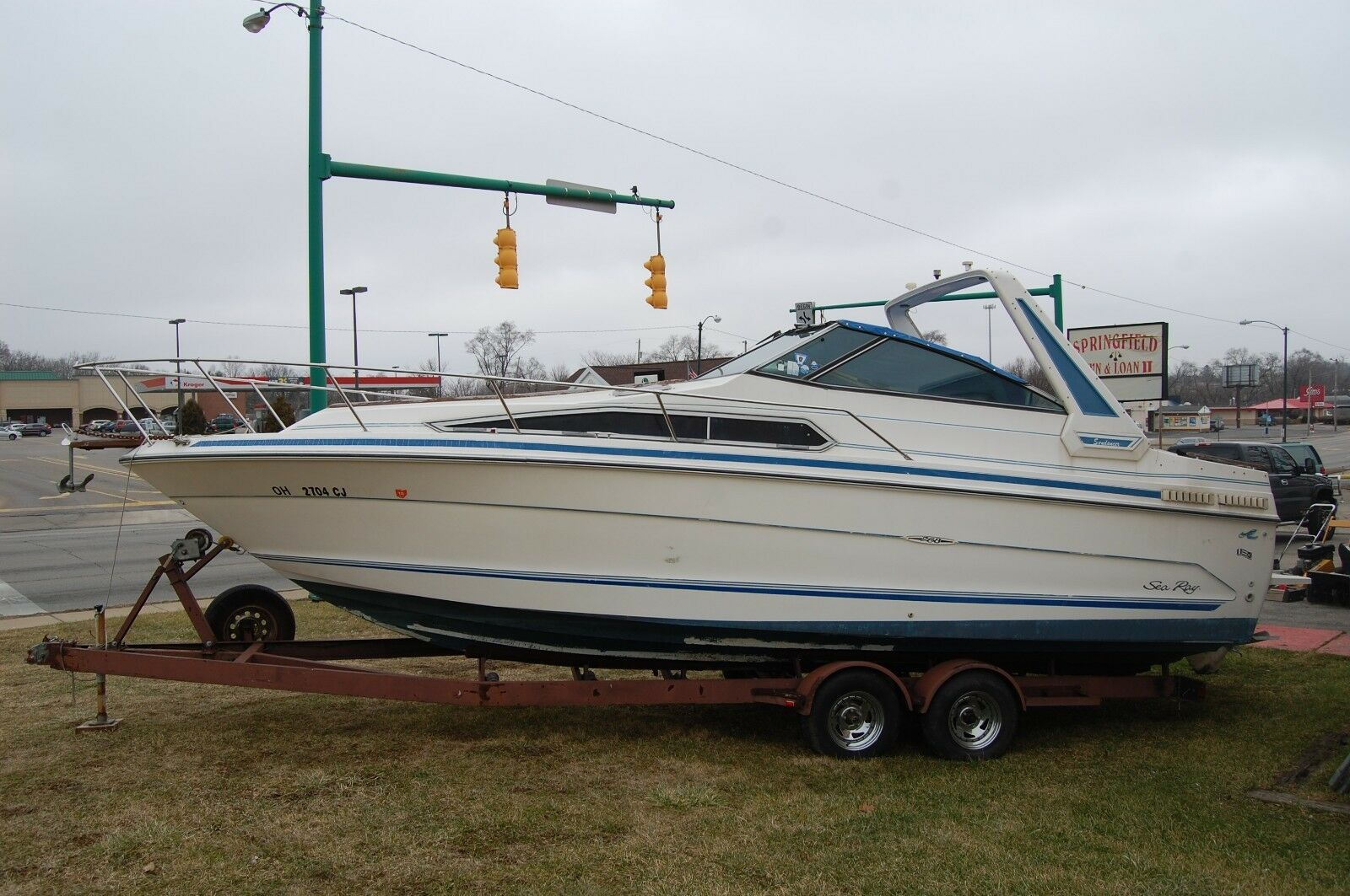 '88 1988 Sea Ray 268 DA Sundancer newer seat covers and motor 26' 7""