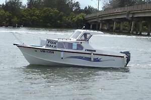 Hartley Cruiser High flying Bridge 4 stroke Yamaha 100 horse pwr Laurieton Port Macquarie City Preview