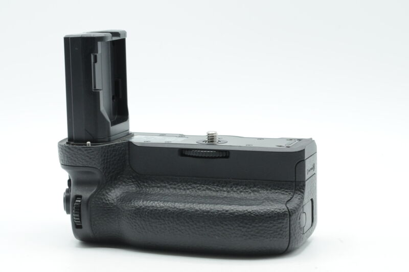 Sony VG-C3EM Vertical Battery Grip for a9, a7RIII, a7III #993