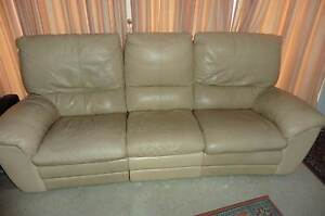 Leather recliner Grays Point Sutherland Area Preview