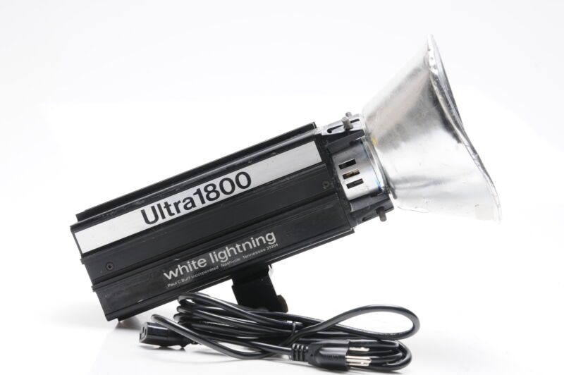 White Lightning Ultra 1800 Monolight Studio Flash Strobe #078