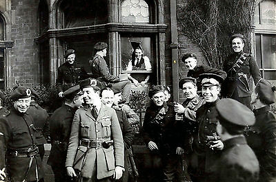 1921 Photo-Dublin Ireland-Irish Black and Tans survive Bombs from I.R.A. Attack