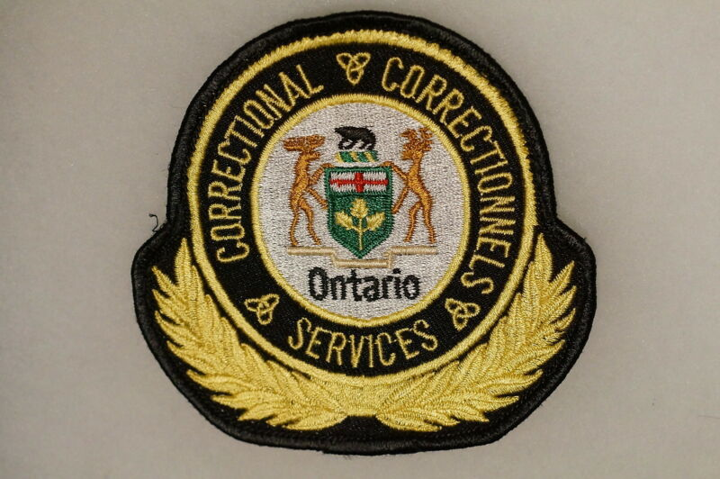 Canadian Ontario Correctional Services Correctionnels Patch 1