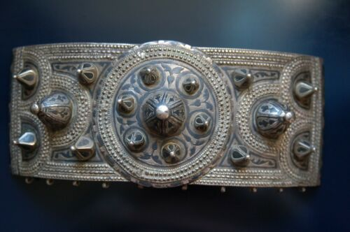 Antique & original Carved and chiselled Silver Buckle with niello work