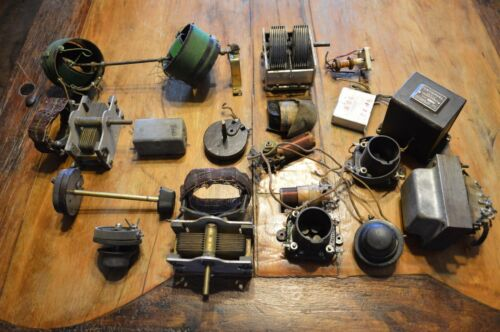 LOT OF 17 VINTAGE ANTIQUE RADIO PARTS, NOTHING HAS BEEN TESTED