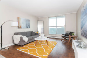 Renovated 2 Bedroom in Centrepointe - Many Amenities