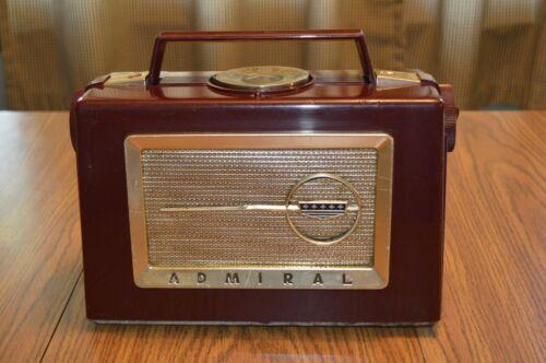 Vintage Admiral  Model 5K3 Portable AM Tube Radio