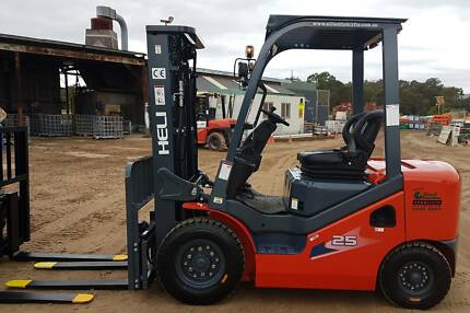 New 2500kg HELI diesel forklift FREE delivery to Darwin