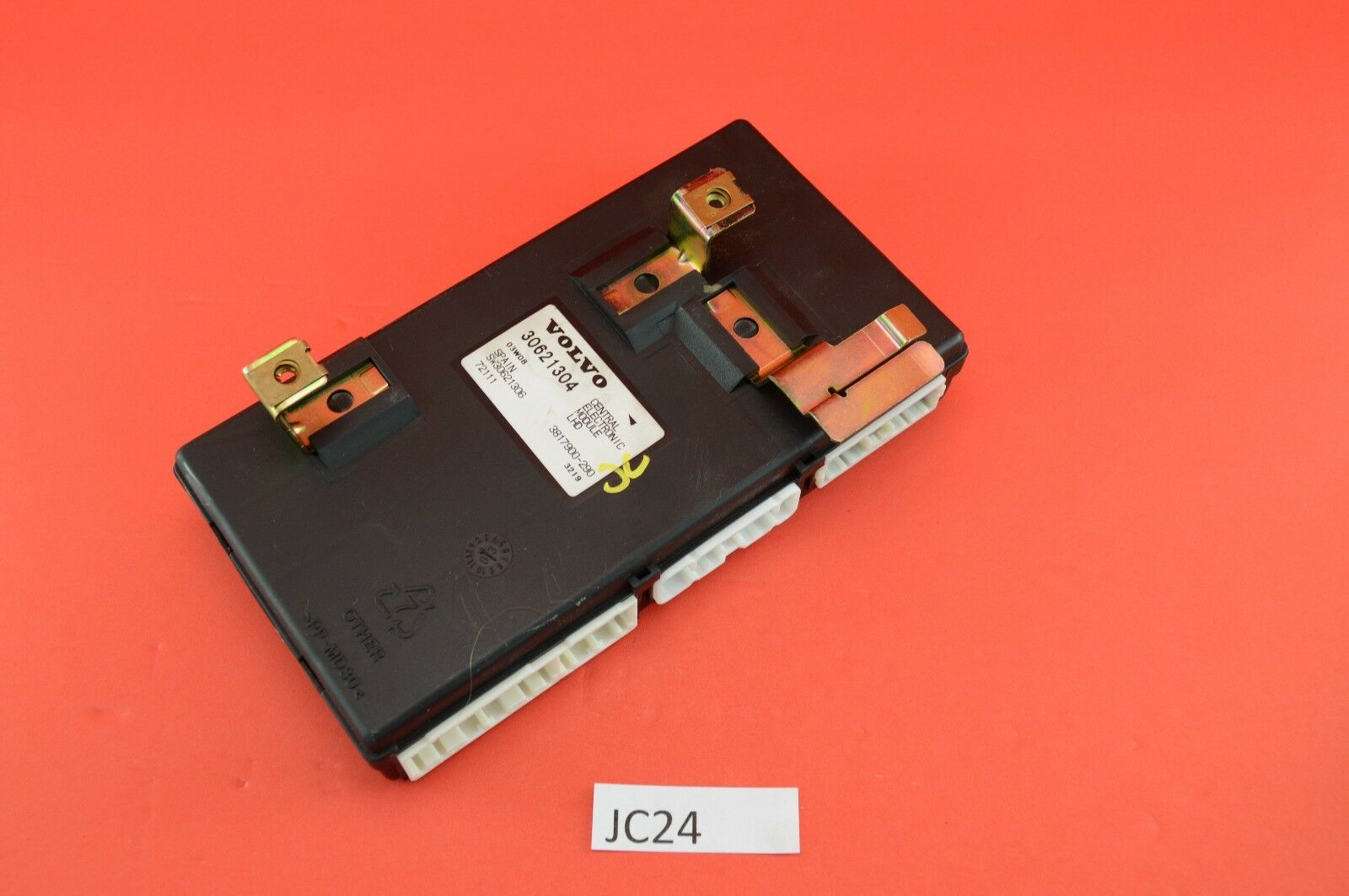 Mw V Qowr Hh Uacdjoygww further S L furthermore  besides Maxresdefault together with . on volvo s40 central electronic module