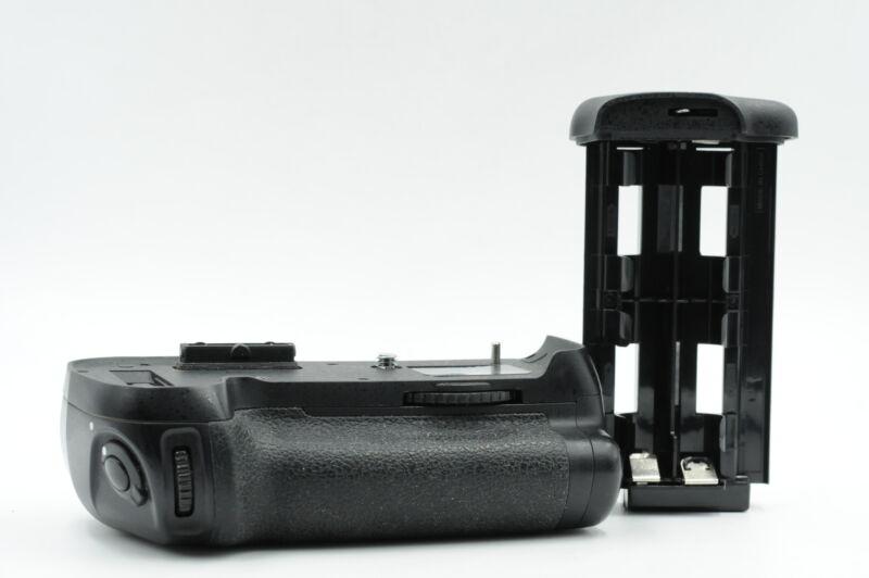 Promaster MB-D12 Battery Grip for D800/D800E/D810/D810A #703