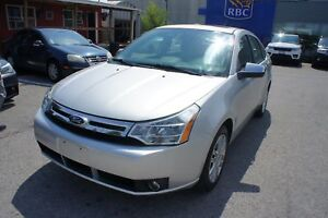 2010 Ford Focus SEL | LEATHER | SUNROOF | BLUETOOTH | CLEAN CARP