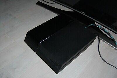 Sony PS4, mit Controllern, Kabel und Spielen