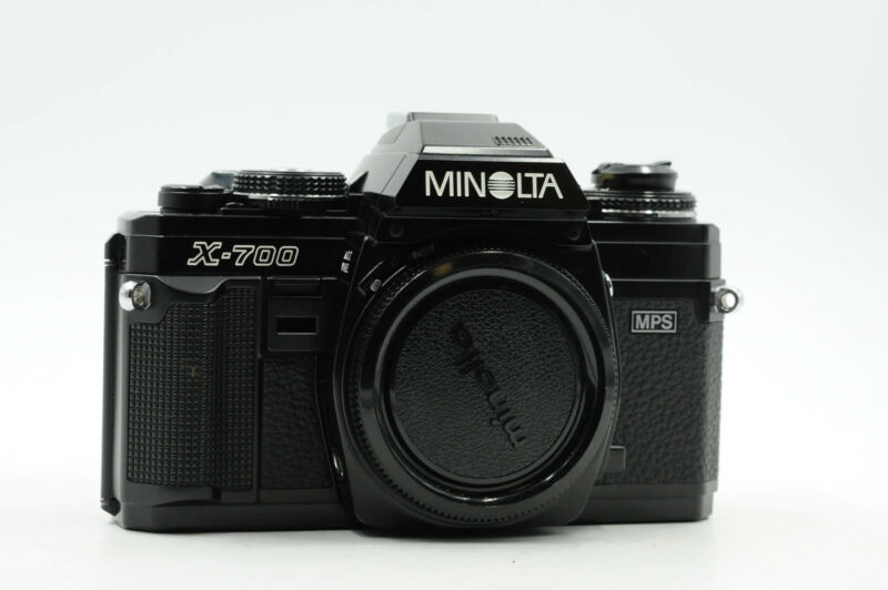 Minolta X-700 SLR Film Camera Body X700 Black *New Foam Light Seals*        #901