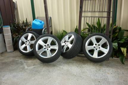 XR 8 RIMS AND TYRES