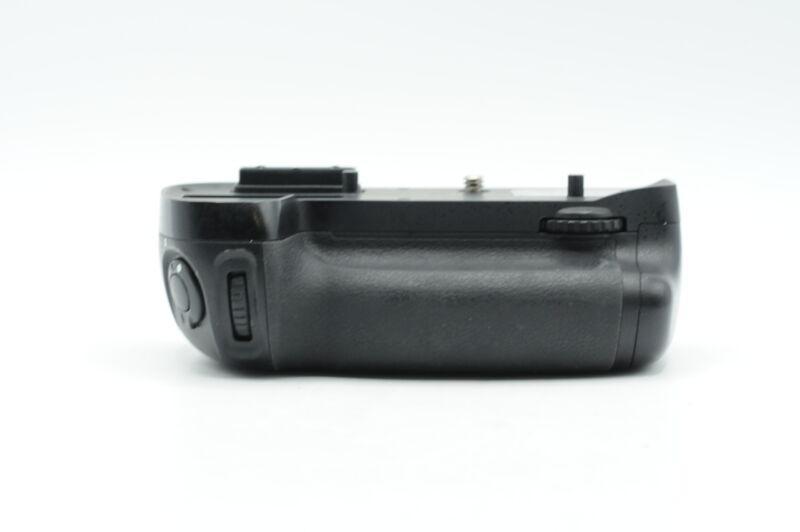 Genuine Nikon MB-D15 Multi Power Battery Pack for D7100 #463
