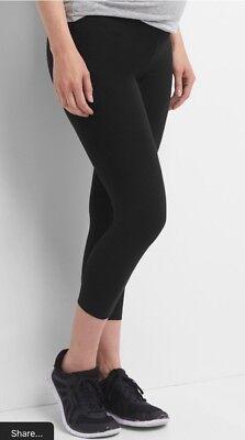 Gap Black Pure Body low-rise capri leggings ~ NWT Medium