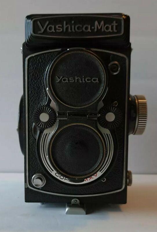Vintage Yashica -Matt Twin Lens Camera Yashinon 80mm f/3.5 Lenses with Copal-MXV