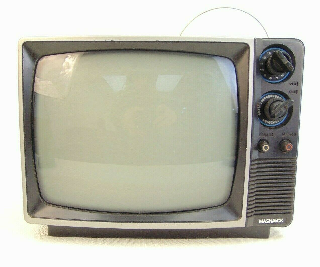 Vintage Magnavox Model BG3741AK01  12''screen 1986 Television Retro WORKS