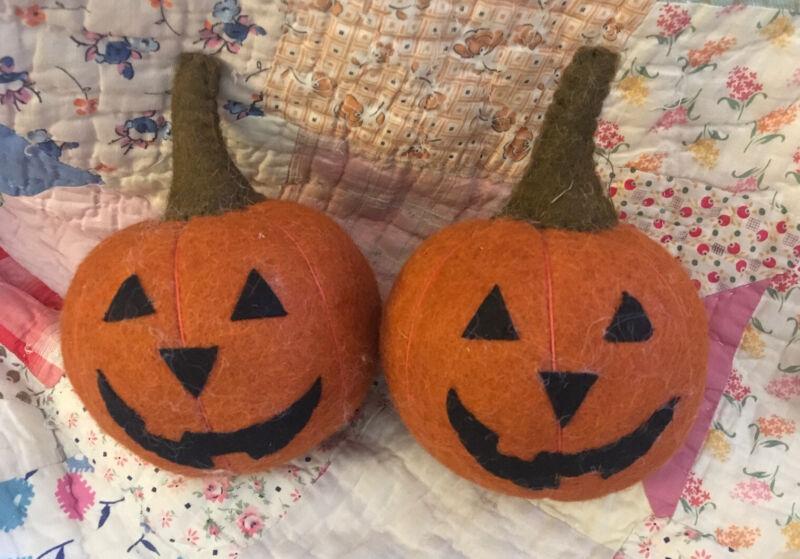 "2 Felted Wool Pumpkin Jack-o-lantern FARMHOUSE Primitive Green Halloween 6"" Tall"