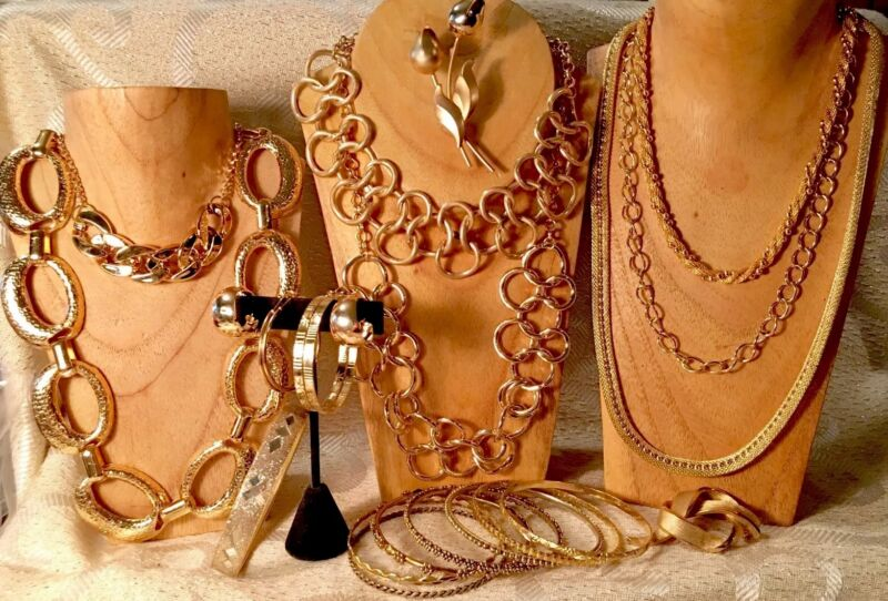 GOLD TONE Pounded-Mesh-Satin Finish Jewelry Lot*Necklaces*Bracelets*Earrings a77