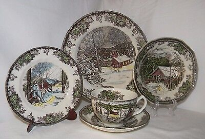 Johnson Bros The Friendly Village England 1883 5 Piece Place Setting Set