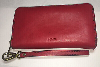Fossil Leather Women's Wallet in Red Zip Around