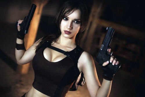 Sexy Lara Croft Tomb Raider Hot Cleavage Cosplay Babe 4x6 photograph