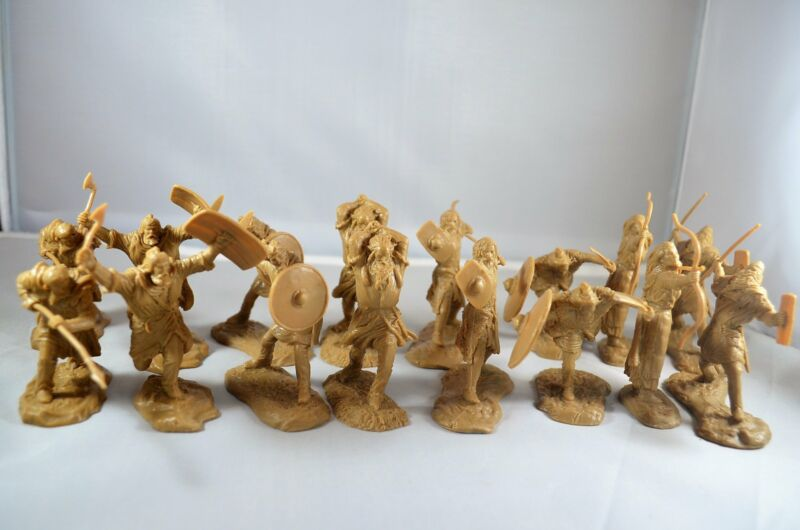 Toy Soldiers of San Diego TSSD Barbarian Warrior Set 19 Tan Roman Saxon Viking
