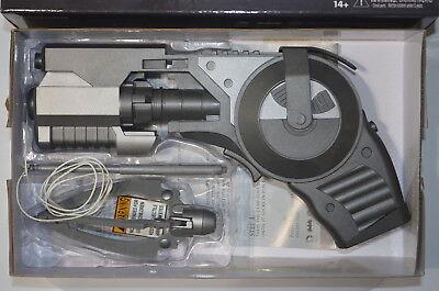 NECA Batman Arkham Origins Prop Replica Grapnel Launcher Spring Loaded 1:1 - Batman Props