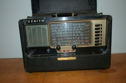Vintage Zenith Trans-Oceanic Wave Magnet World Band Radio Model A600