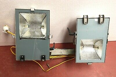 2 x Pair of LANZINI / OLYMPIA 3 Industrial Outdoor Application Floodlights