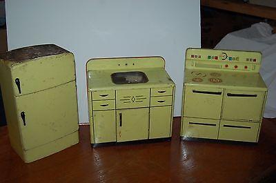 Wolverine Tin Kitchen Sink and Stove / Oven / fridge (3) Piece Toy Vintage