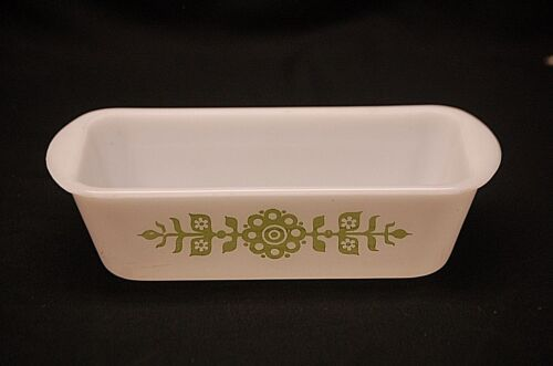 Vintage Glasbake Milk Glass Loaf Pan Dish 522 1-1/2 Qt. w Green Modern Flowers