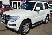Mitsubishi Pajero 3.2 DID Plus AT 4WD AHK XENON USB AHK EU6