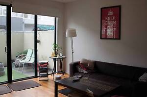 MASTER ROOM WITH ENSUITE FOR COUPLE IN RICHMOND AVAIL 14/04 Richmond Yarra Area Preview